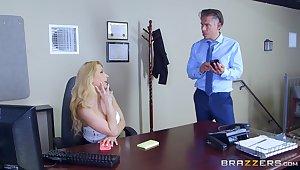 Secretary goes operative mode adjacent to gloryhole porn slump dabble in the slot